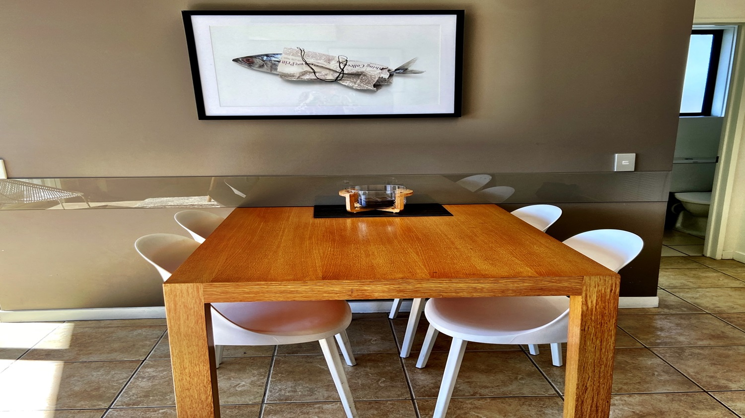 Bayview-Villa-dining-table-and-chairs.jpg