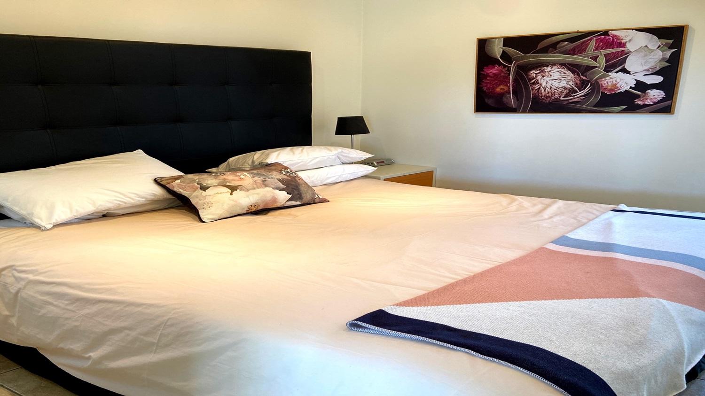 Bayview-Villa-main-bredroom.jpg
