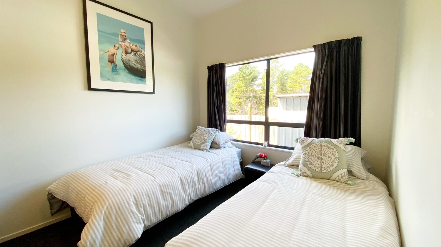 13._Woodlands_bedroom_2_with_twin_beds.msg_1500x843.jpg