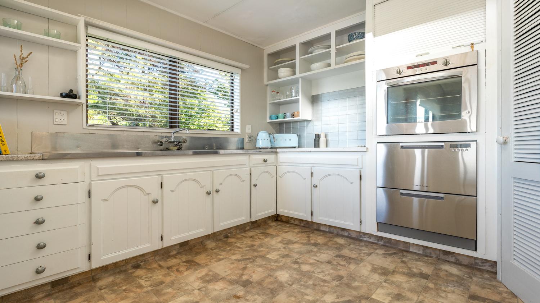 28._Baywatch_-_kitchen_1500x843.jpg
