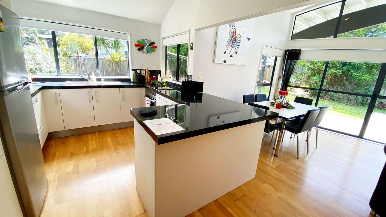 3._Woodlands_kitchen_through_to_dining_and_exterior.msg_1_1500x843.jpg