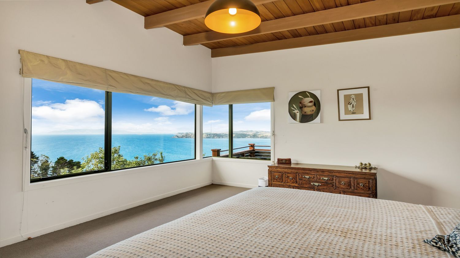18_Seaview_interior_with_second_bedroom_I_think_and_view_1500x843.jpeg