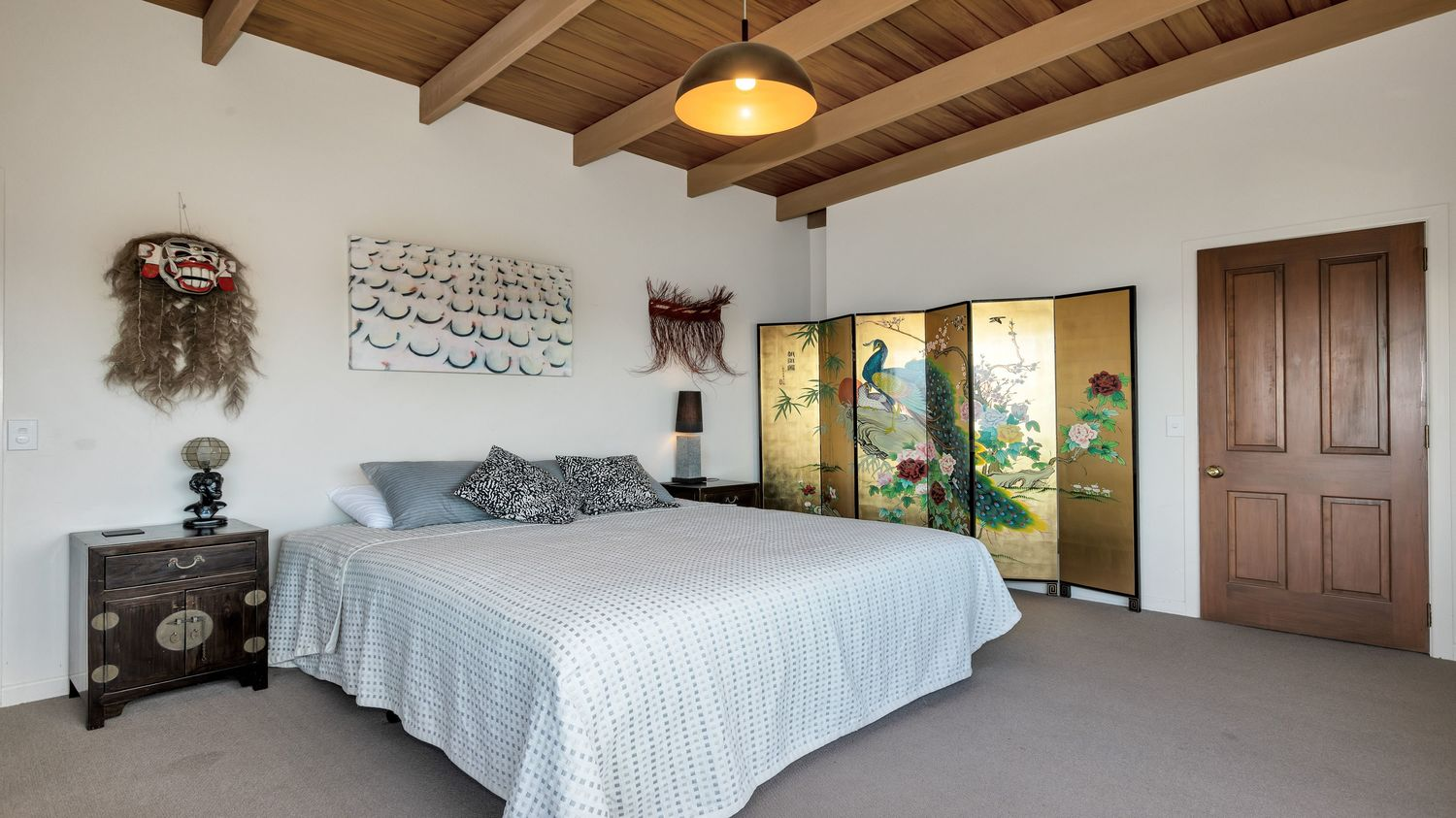 19._Seaview_with_second_bedroom_looking_into_room_1500x843.jpeg