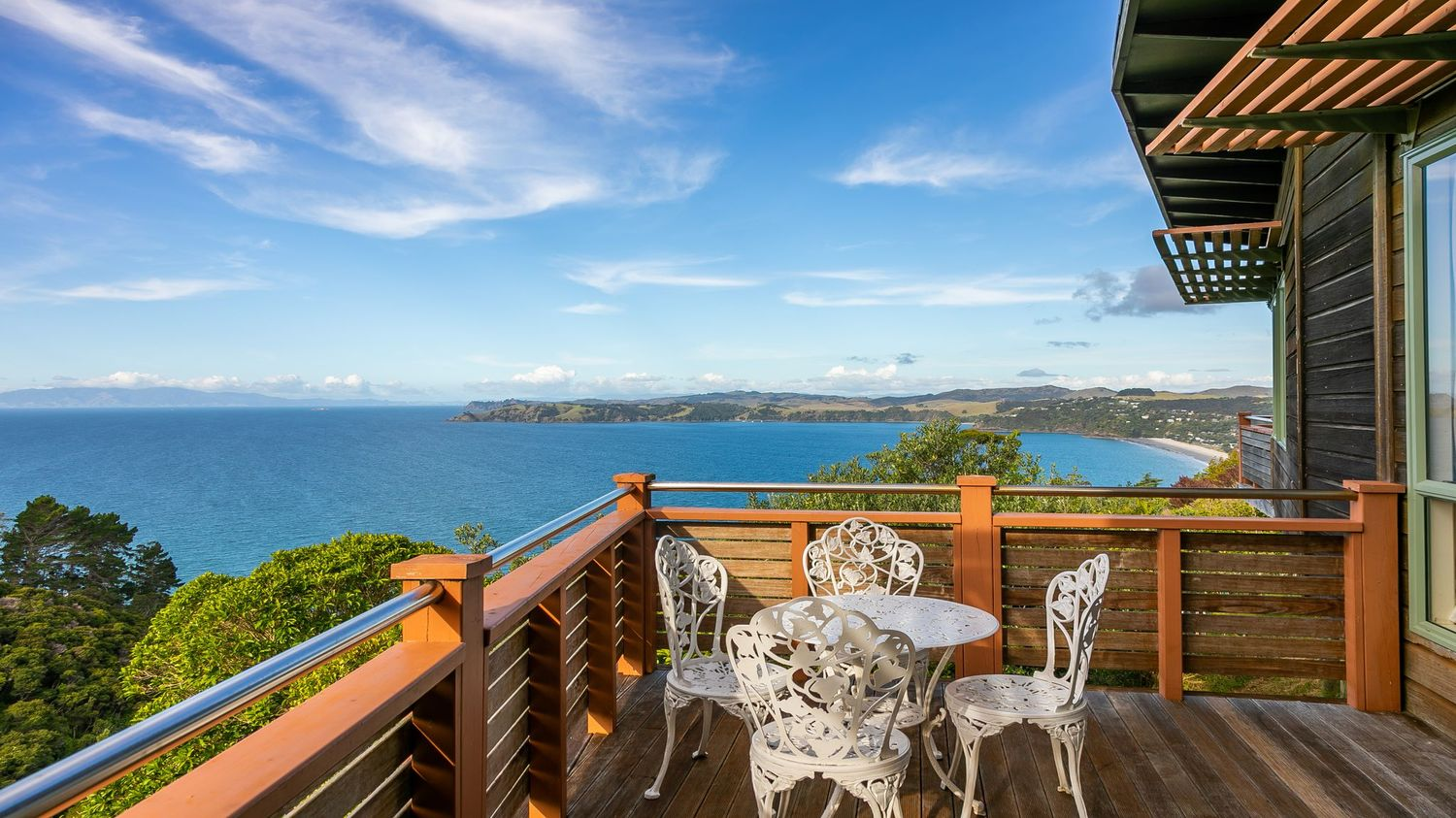 4._Seaview_with_view_from_verandah_and_outdoor_setting_1500x843.jpeg