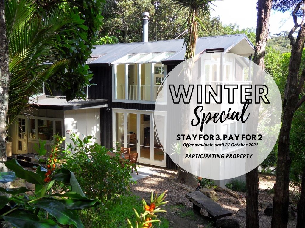 Atahu Cottage,&#332miha - Stay 3, Pay for 2