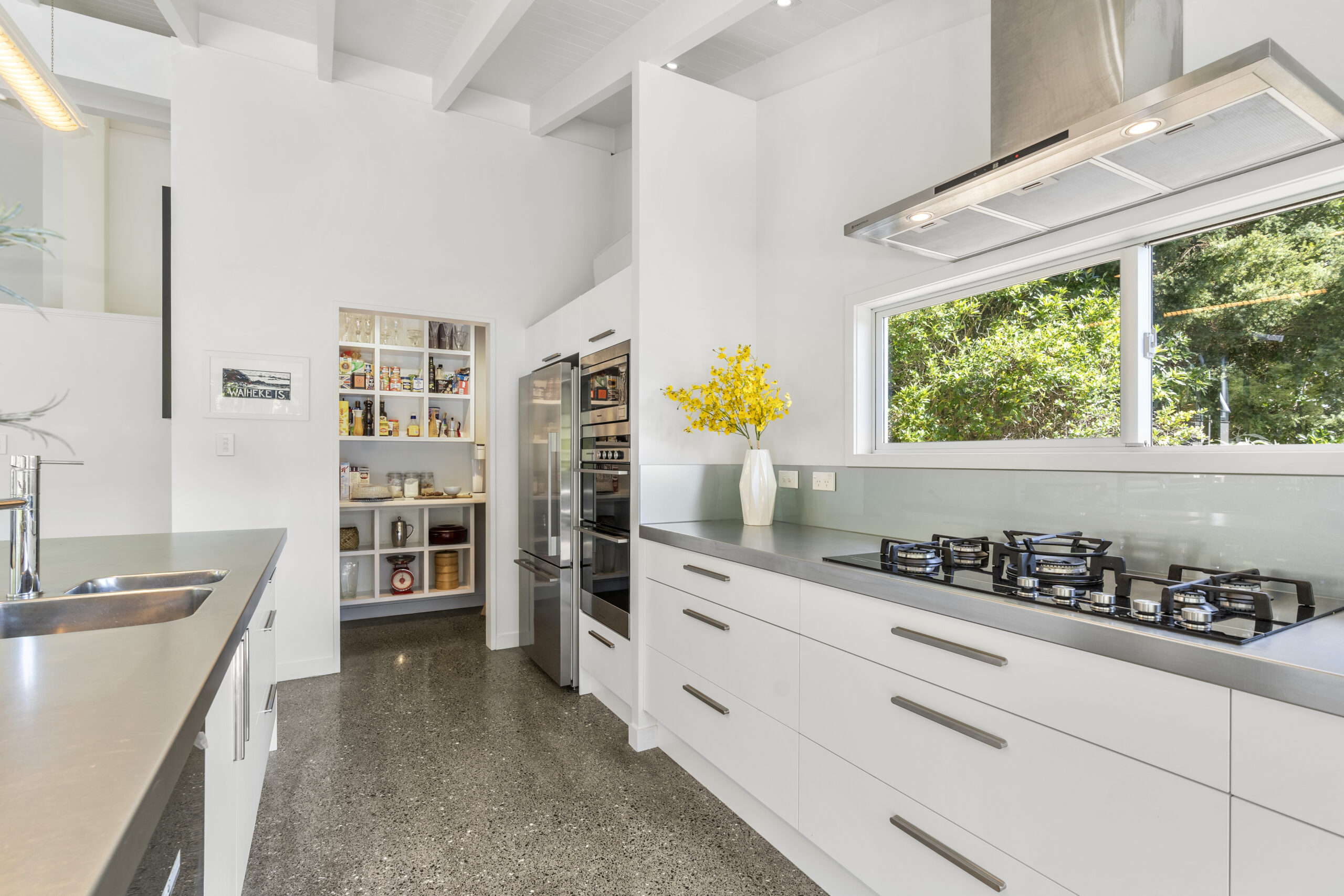 19.-Kitchen-and-pantry-scaled.jpg